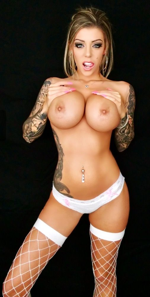 Girl with fake boobs pornstar delirium